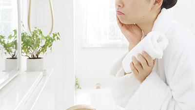 敏感肌乾燥肌の女性